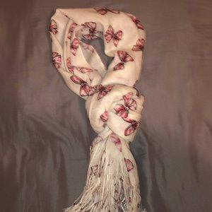 Bow patterned scarf